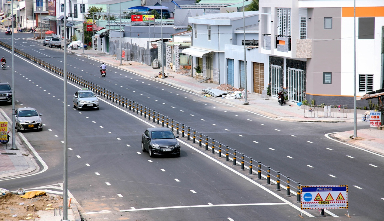 Urgently complete Tran Hoang Na Street and put into use before Lunar New Year